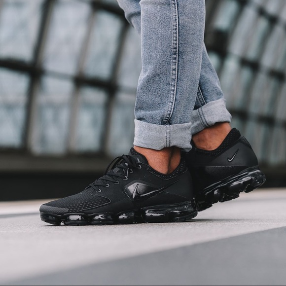 promo code 90bed 08bc5 Brand New Nike Air Vapormax Triple Black NWT